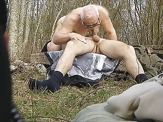 DZIADKI W LESIE 56 blowjob (gay) daddy (gay) masturbation (gay)