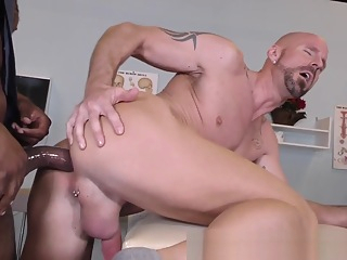 Dude Takes Hard Big Black Cock 9:35 2020-06-12